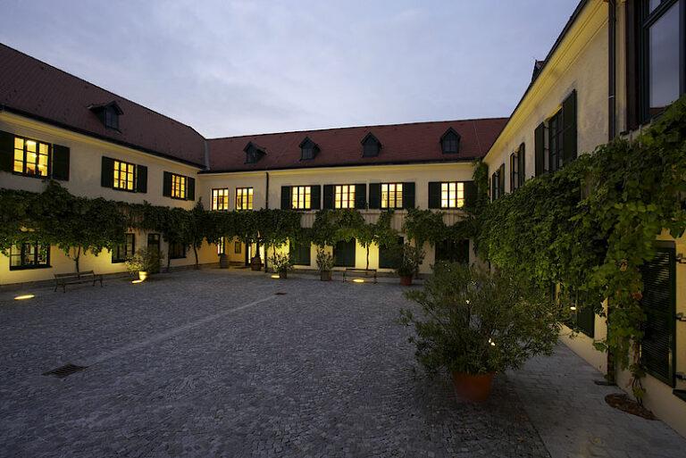 csm_WinzerKremsInnenhof_6e917b6e14
